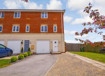 3 bed town house for sale in Avocet Mews, Scunthorpe DN16