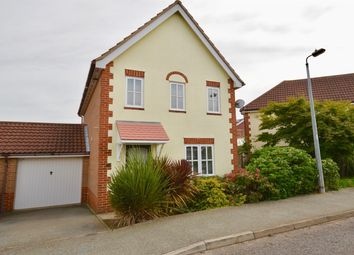 Bridport Way, Braintree CM7. 3 bed link-detached house