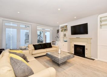 Thumbnail 3 bed flat to rent in Chelsea Embankment, Chelsea