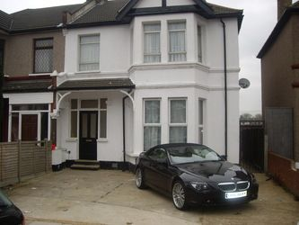 Thumbnail Studio to rent in Ashgrove Road, Ilford