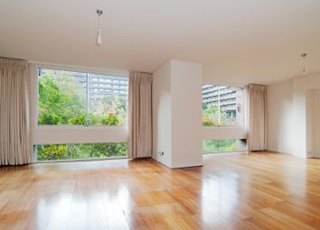 Thumbnail 2 bed flat to rent in Defoe House, Barbican