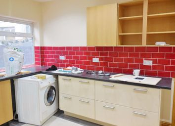 Thumbnail 3 bedroom flat to rent in Newport Road, Roath, Cardiff