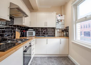 2 bed flat for sale in Crown Street, Reading, Berkshire RG1