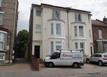 Thumbnail 1 bed flat to rent in St Peter's Road, South Croydon