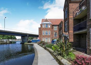 2 bed flat for sale in West Street, Thorne, Doncaster DN8