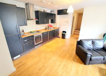 2 bed flat to rent in St. Johns Lane, Bedminster, Bristol BS3