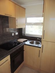 Thumbnail 1 bed flat to rent in Pembroke Way, Bicester