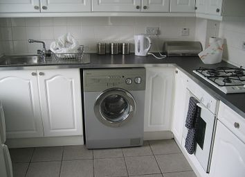 Thumbnail 2 bedroom flat to rent in Market Place, East Finchley, London