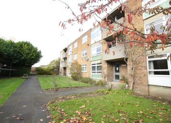Thumbnail 2 bed flat to rent in Lingfield Avenue, Dartford