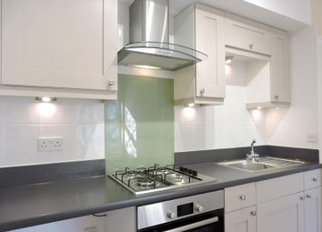 Thumbnail 2 bed flat to rent in Brading Road, Brighton