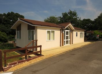 Thumbnail 2 bed mobile/park home for sale in Bishopstoke Lane, Brambridge, Eastleigh