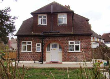 Thumbnail 2 bedroom detached house to rent in Mortimer Crescent, Worcester Park