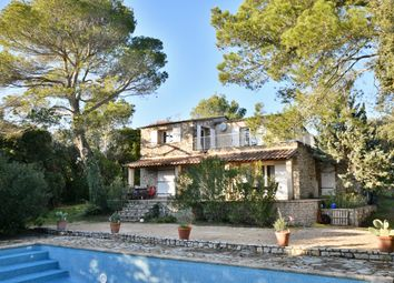 Thumbnail 6 bed country house for sale in Uzès, Gard, Languedoc-Roussillon, France