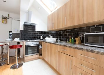 Thumbnail 2 bed flat to rent in Holyport Road, Fulham