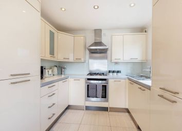 3 bed flat for sale in Streatham Common South, Streatham Common, London SW16