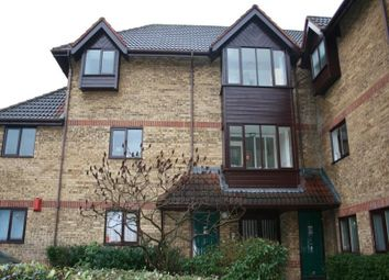 Thumbnail 2 bedroom flat to rent in Linwood Close, London