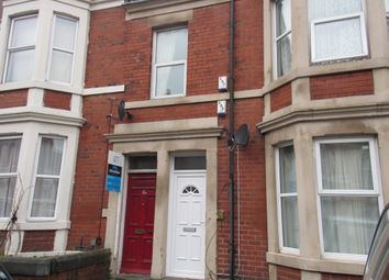 Thumbnail 3 bed flat to rent in Wingrove Gardens, Newcastle Uopn Tyne