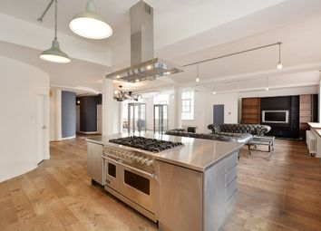Thumbnail 3 bed flat to rent in New Inn Street, Shoreditch