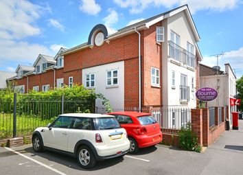 Worplesdon Road, Guildford GU2. 2 bed flat for sale