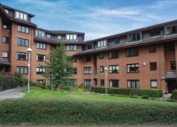 2 bed flat to rent in Julian Court, Glasgow G12