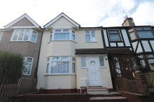 Thumbnail 4 bed terraced house to rent in Sandycrofy, Plumstead