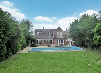 5 bed detached house for sale in Seamons Close, Dunstable LU6