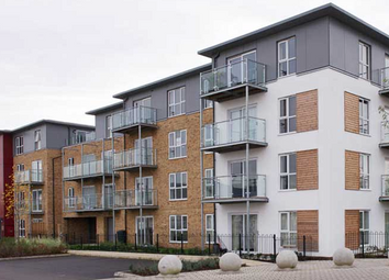 Thumbnail 2 bedroom flat for sale in Langley Square Dartford, London