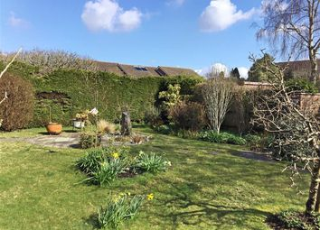 3 bed detached bungalow for sale in Moggs Mead, Petersfield, Hampshire GU31