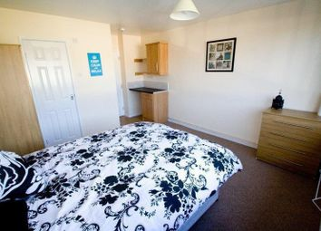 Thumbnail 4 bed shared accommodation to rent in Union Street, Bedford