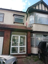 Thumbnail 6 bed detached house to rent in Lynton Cresent, Ilford