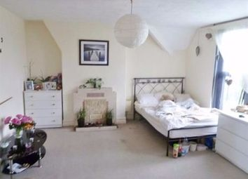Thumbnail Room to rent in Taff Embankment, Grangetown, Cardiff