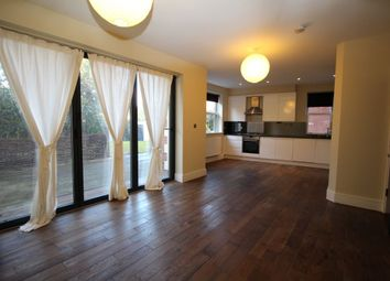 Thumbnail 3 bedroom flat to rent in Plaistow Lane, Bromley