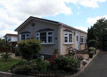 Thumbnail 3 bedroom mobile/park home for sale in Ravenswing Park, Aldermaston, Reading