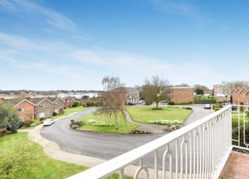Thumbnail 2 bed flat for sale in River Green, Hamble, Southampton