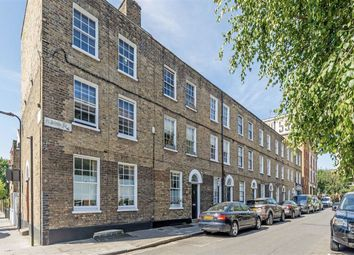 3 bed property for sale in Pearson Street, London E2
