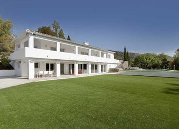 Thumbnail 6 bed villa for sale in Cascada De Camojan, Marbella Golden Mile, Costa Del Sol