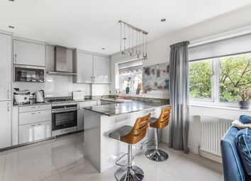 1 bed maisonette for sale in Sycamore Hill, London N11