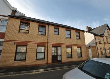 Thumbnail 2 bed flat to rent in Vicarage Lawn, Barnstaple