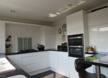 2 bed mobile/park home for sale in Gladstone Way, Mancot, Deeside CH5