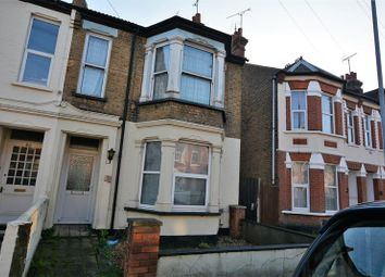 Thumbnail 2 bedroom flat to rent in South Avenue, Southend-On-Sea