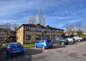 Thumbnail 2 bed flat for sale in Victoria Close, Cheshunt, Hertfordshire