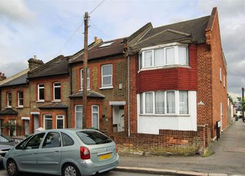 Thumbnail 3 bed flat to rent in Lansdowne Hill, London