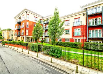 2 bed flat to rent in Orchard Grove, Orpington BR6