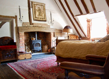 Thumbnail 2 bed cottage for sale in High Street, Staplehurst, Tonbridge, Kent