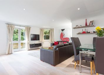 Thumbnail 2 bedroom flat for sale in Garden Flat, Fitzjohns Avenue, Hampstead