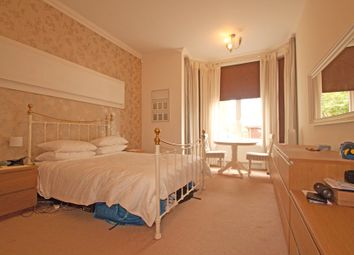 Thumbnail 2 bed flat to rent in Wood Street, High Barnet