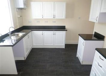 2 bed property to rent in Richmond Road, Blackpool FY1