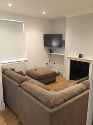 Thumbnail 2 bed flat to rent in Queen Sqaure, Leeds