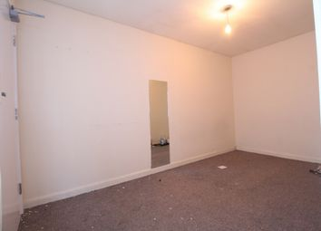 Thumbnail 1 bed flat to rent in Stoke Newington Road, London