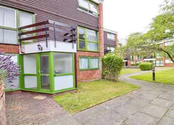 2 bed flat for sale in Parkside Road, Reading RG30